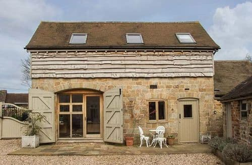 Last Minute Cottages - Foxholes Barn