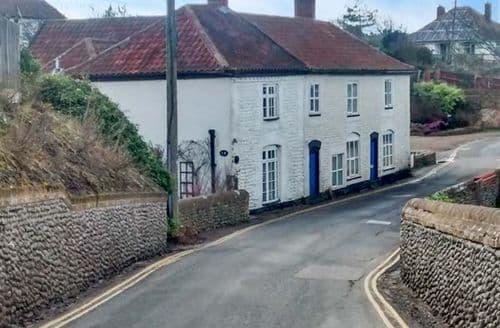 Last Minute Cottages - Adorable Mundesley Cottage S43085