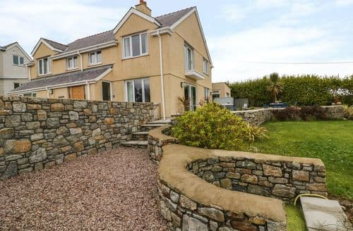 Last Minute Cottages - Cosy Benllech Cottage S93276