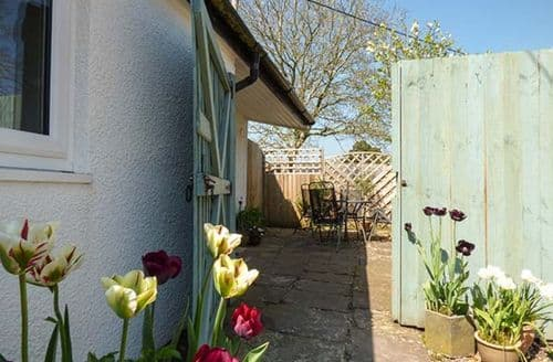 Last Minute Cottages - Rectory Cottage