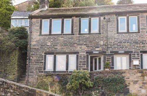 Last Minute Cottages - Wonderful Holmfirth Cottage S85691