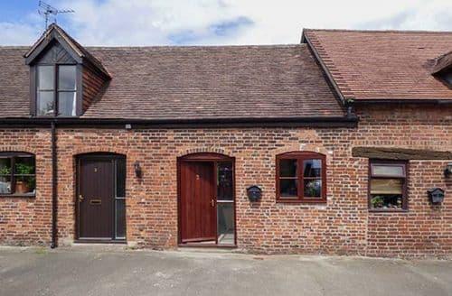 Last Minute Cottages - 2 Bank Farm Mews
