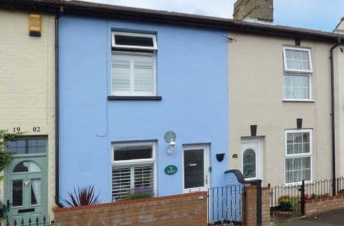 Last Minute Cottages - Sea Breezes