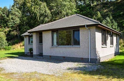 Dog Friendly Cottages - Gorgeous Feshiebridge Cottage S39649