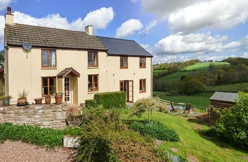 Last Minute Cottages - Tasteful Croesyceiliog Cottage S33615