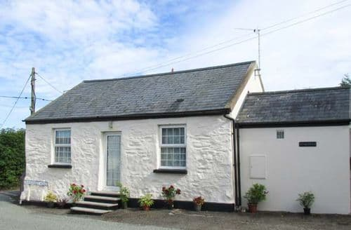 Last Minute Cottages - Superb St. Ishmael's Cottage S33811