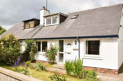 Last Minute Cottages - Tasteful Marybank Cottage S37912