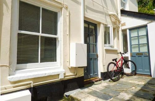Last Minute Cottages - Excellent Penryn Apartment S38107