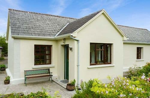 Last Minute Cottages - Wonderful Curry, County Sligo Cottage S37188