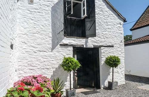 Last Minute Cottages - Luxury Winscombe Cottage S37828