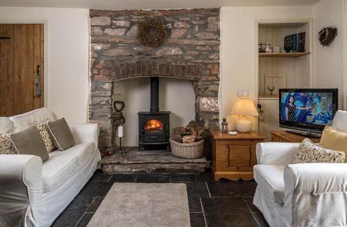 Wonderful Pontfaen Cottage S40316, Salmon Leap, Pontfaen, Powys   Snaptrip