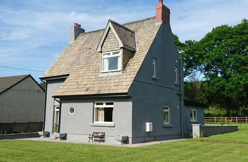 Last Minute Cottages - Delightful Cwmgors Cottage S43742