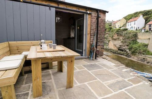 Last Minute Cottages - Gorgeous Staithes Cottage S82929