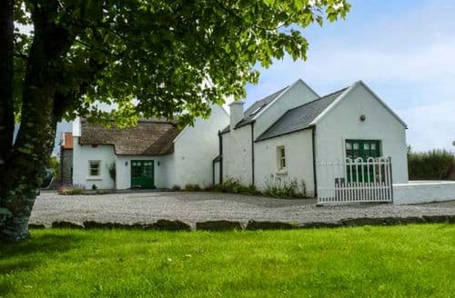 Big Cottages - Captivating Claremorris Cottage S40402