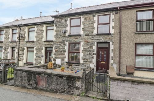 Last Minute Cottages - Bryn Eithin