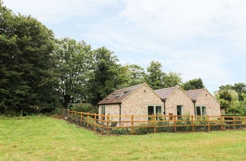 Last Minute Cottages - Exquisite Barford Cottage S94824