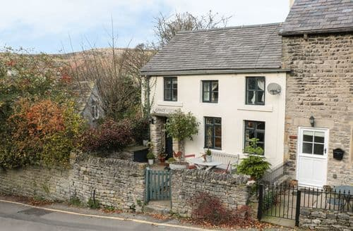 Last Minute Cottages - Superb Castleton Cottage S40369