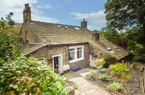 Last Minute Cottages - Inviting Holmfirth Cottage S70515