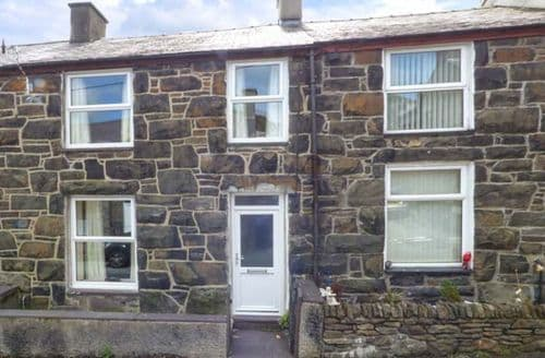 Last Minute Cottages - Snowdonia Cottage
