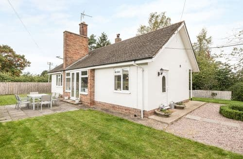 Last Minute Cottages - Wonderful Cheshire East Cottage S41063