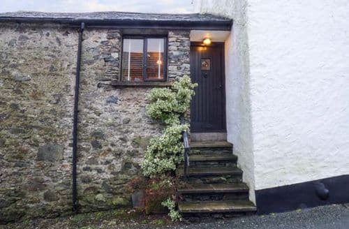 Last Minute Cottages - High House
