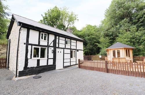 Last Minute Cottages - Charming Manafon Cottage S114134