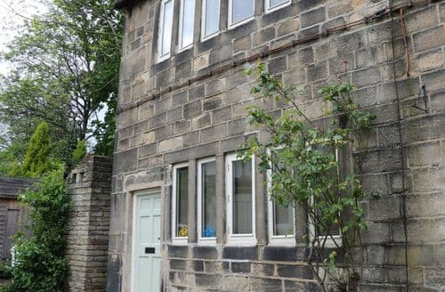 Last Minute Cottages - Tasteful Mytholmroyd Cottage S81547