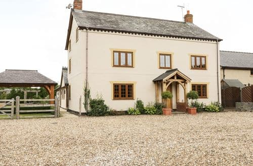 Last Minute Cottages - Exquisite Rhuallt Cottage S84133