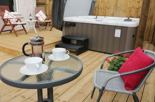 Last Minute Cottages - Cosy Seaton Cottage S123156