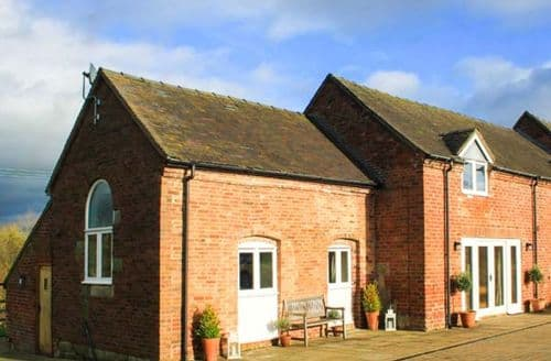 Last Minute Cottages - Delightful Denstone Cottage S44327