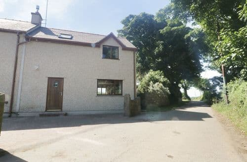 Last Minute Cottages - Quaint Llandyfrydog Cottage S105195