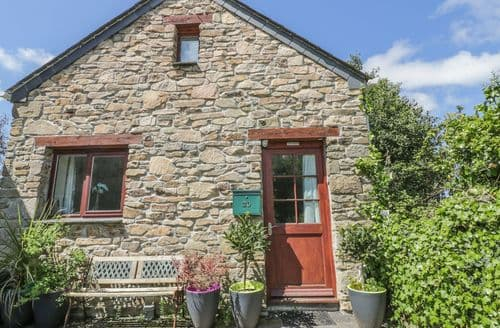 Last Minute Cottages - Inviting Porth Cottage S73978