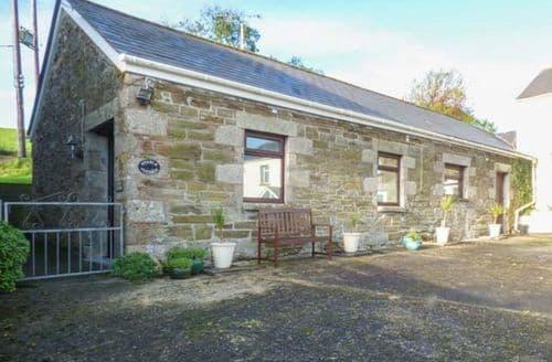 Last Minute Cottages - Cosy Trevelgue Cottage S44140