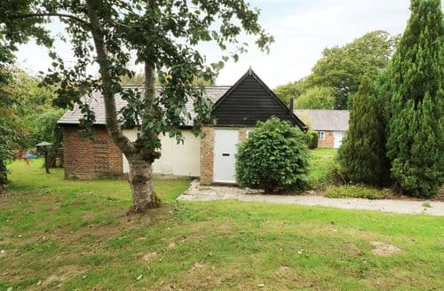 Last Minute Cottages - Attractive Robertsbridge Cottage S122906