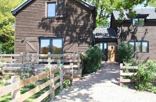 Last Minute Cottages - Luxury Wayford Bridge Rental S11948