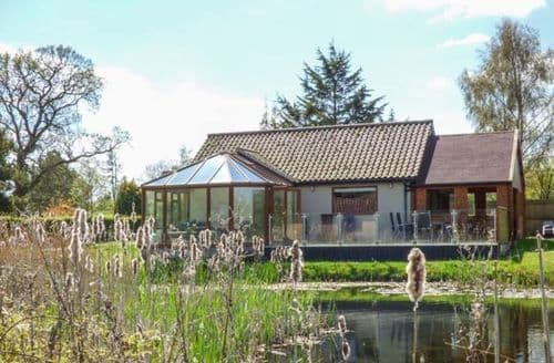 Last Minute Cottages - Dragonfly Lodge
