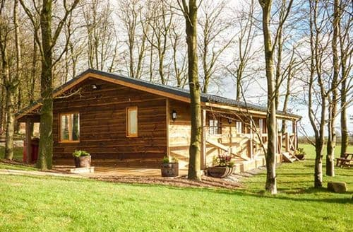 Last Minute Cottages - Inviting Buttington Lodge S44559
