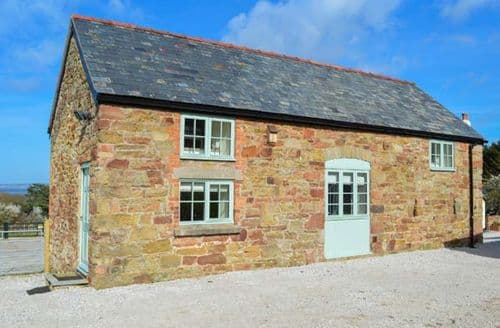 Last Minute Cottages - Lovely Holywell Cottage S44333
