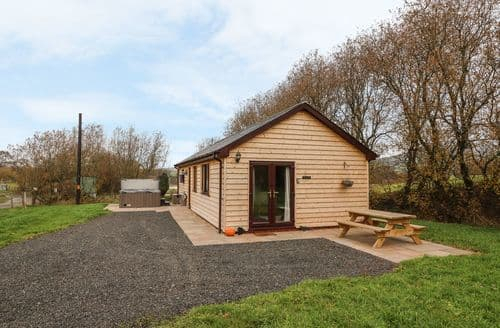 Last Minute Cottages - Delightful  Cottage S105836