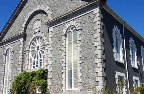 Last Minute Cottages - Capel Mawr
