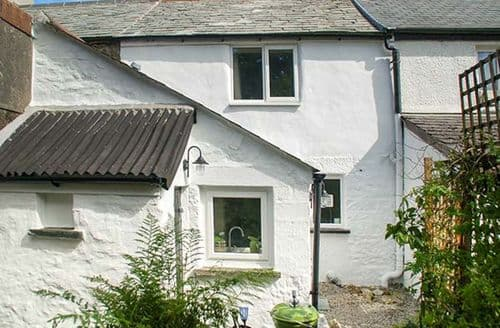 Last Minute Cottages - Cosy Minions Cottage S61007