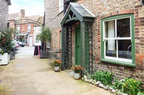 Last Minute Cottages - The Old Paul Pry