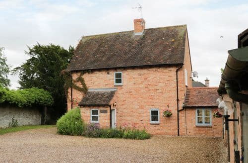 Last Minute Cottages - Splendid Pebworth Cottage S81245