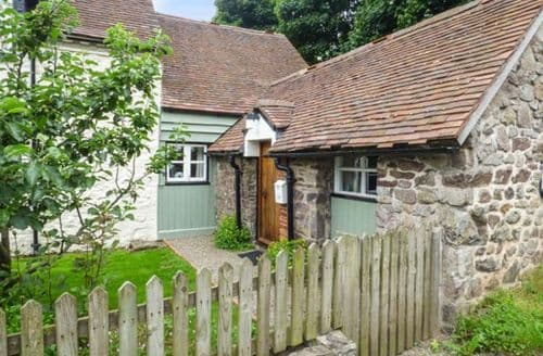 Last Minute Cottages - Gate House Annexe