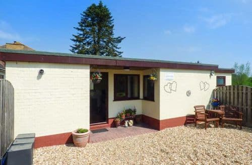 Last Minute Cottages - Bainside Holiday Lodge