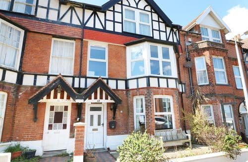 Last Minute Cottages - Lovely Cromer Apartment S49931