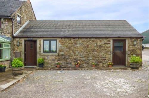 Last Minute Cottages - Beautiful Bottomhouse Cottage S60292