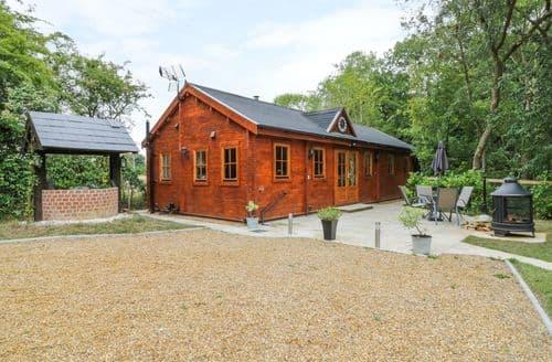 Last Minute Cottages - Acorn Lodge