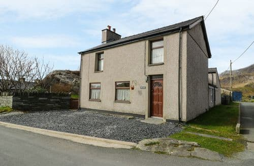 Last Minute Cottages - Bryn Alun