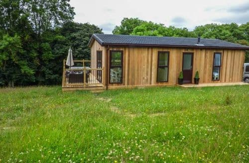 Last Minute Cottages - Cosy Billingsley Lodge S59998